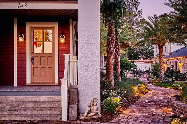 The Collector Luxury Inn & Gardens